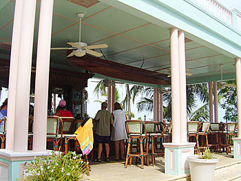 Southernmost House | Bar